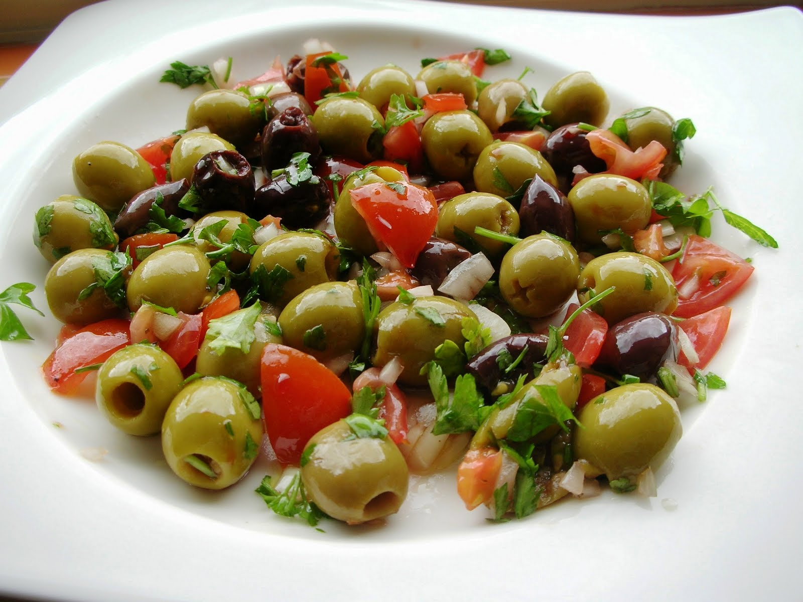 OLIVE OIL & SALAD OLIVES